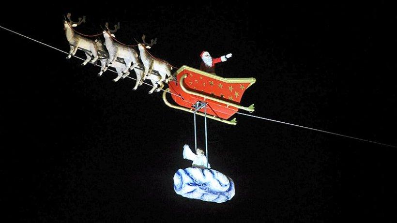 der weihnachtsmann fliegt ber die porschestra e. Black Bedroom Furniture Sets. Home Design Ideas