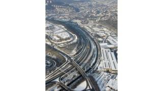 Autofahrerin  übersieht Mofa am  Berliner Ring